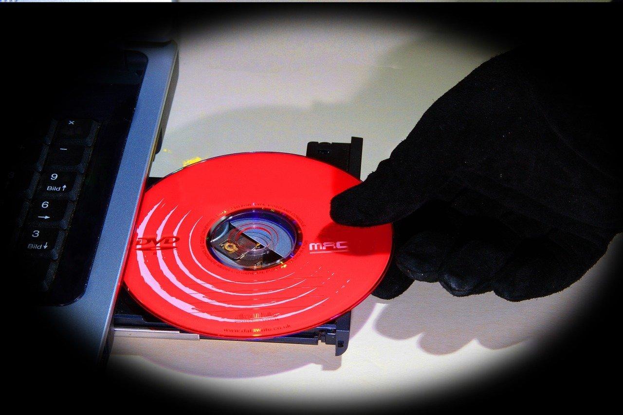 data-theft-1512249_1280
